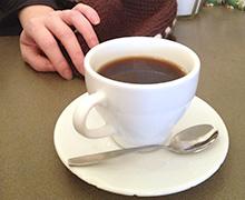 Bäst effekt får du när hjärnan  behöver kaffet som mest och det är senare på förmiddagen.