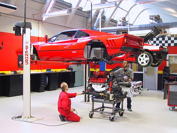 Man måste inte lyfta ur motorn ur en Ferrari för  att kunna göra service på den.