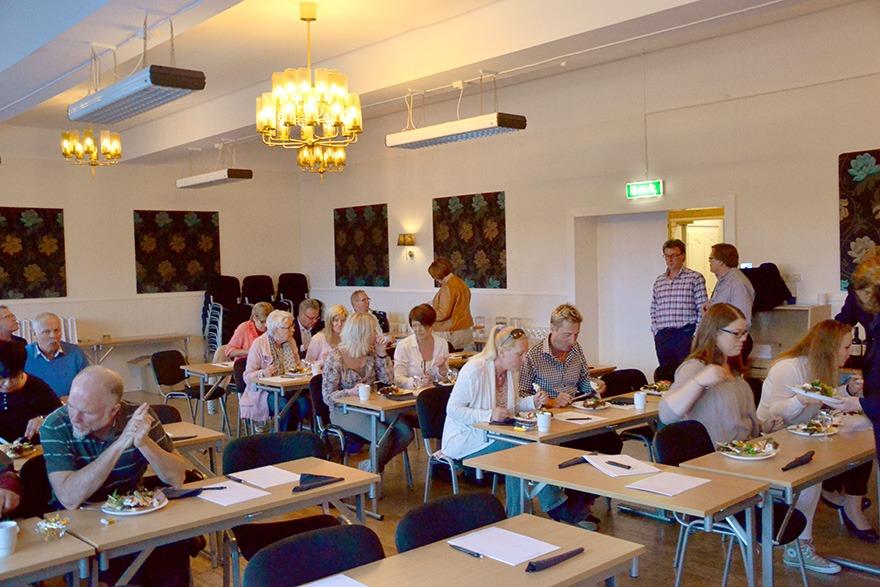 Hela 37 företag kom och lyssnade för att få mer  information om hur de skulle kunna samarbeta  bättre med byrån med hjälp av nya arbetssätt  och tjänster.