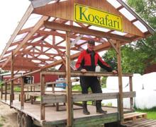 På kosafarin berättar  Hans Edlund om arbetet  som mjölkbonde.