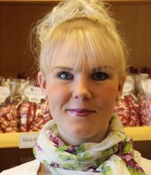 På sommaren när turisterna flockas i Gränna är det riktig  högsäsong i polkagrisbranschen.
