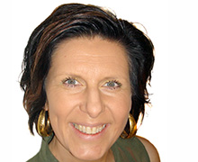 Jag har även skrivit en bok  om mitt eget liv som terapi, som finns att läsa på min hemsida,  berättar hälsoinspiratören Tina Persson som själv tagit sig ur sin livskris.
