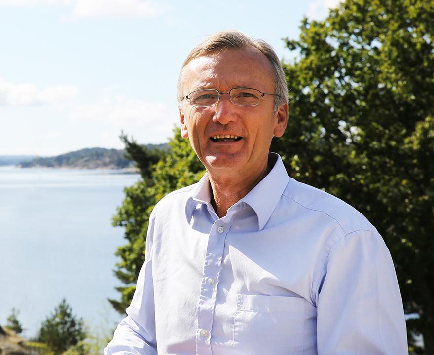 Anders Bernåker är en flitigt anlitad föreläsare och konsult inom företagande och redovisning som även arbetar som styrelseproffs. Inom redovisningsbranschen är Anders Bernåker dessutom utbildare åt FAR och SRF samt medförfattare till Reko