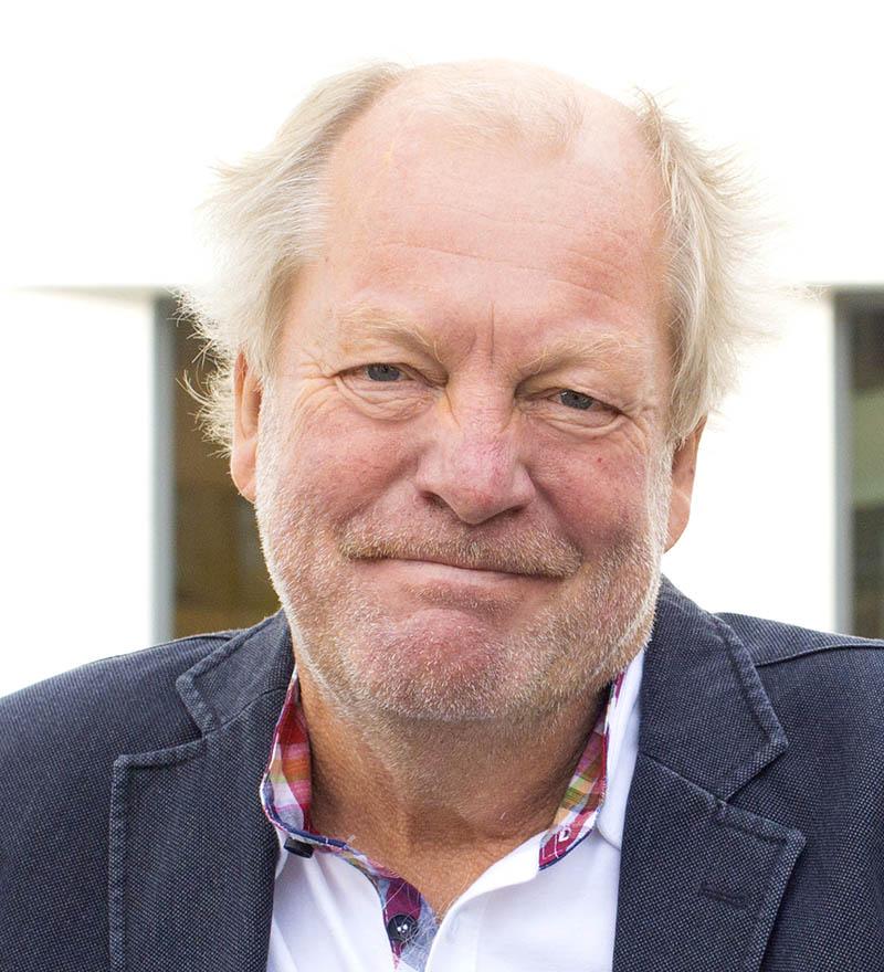 Jan-Erik W Persson